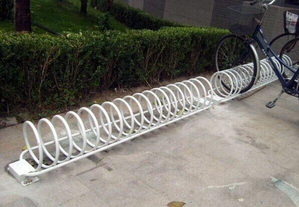 停放自行车架图片